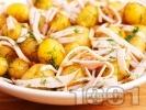 Рецепта Картофена салата с варени пресни картофи, бекон, масло, чесън и копър